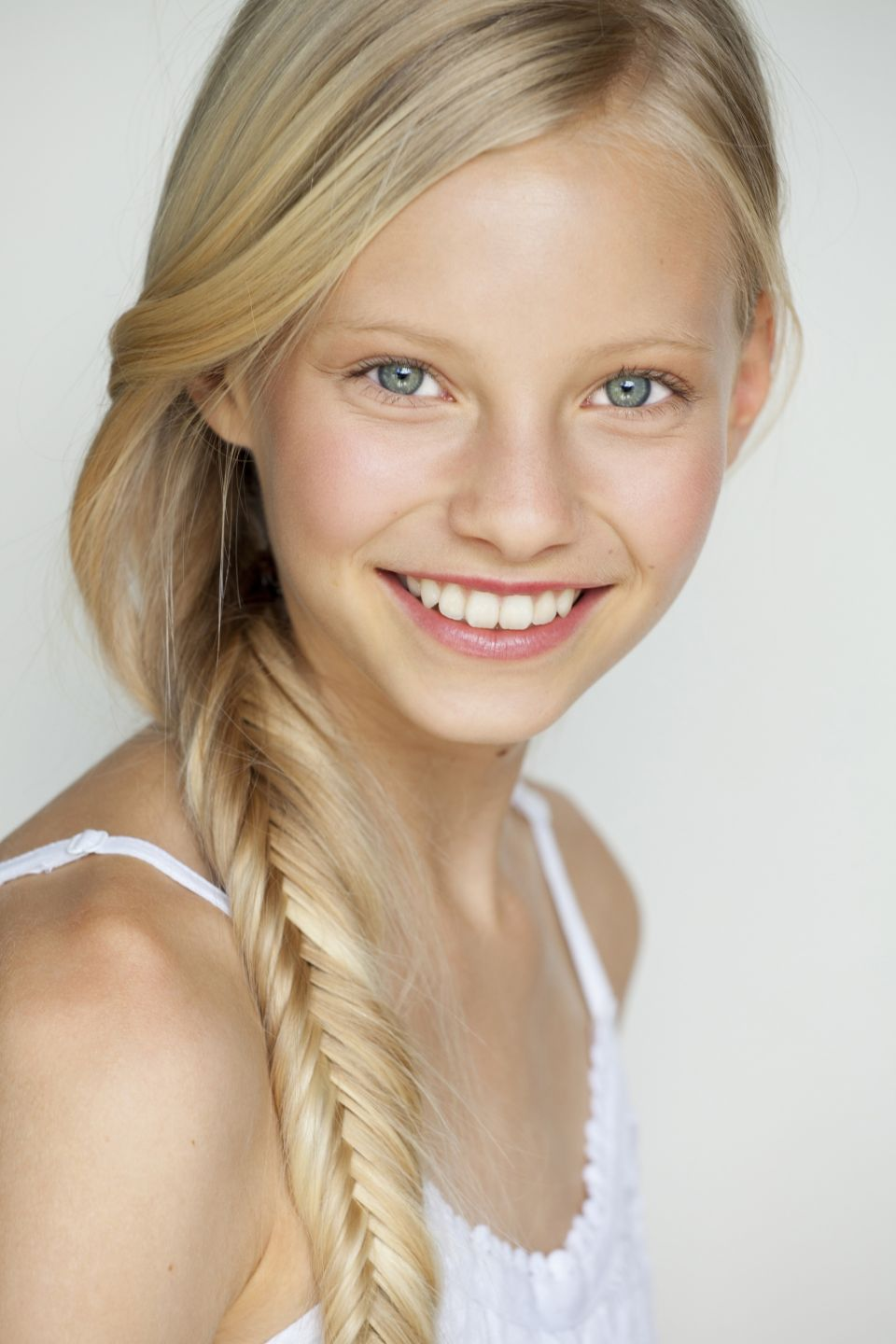 Lucy Rust Model And Actress